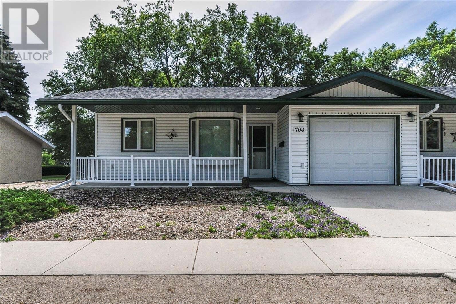 Townhouse for sale at 704 Eden St Indian Head Saskatchewan - MLS: SK817702