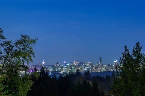 704 Parkside Road, West Vancouver | Image 2