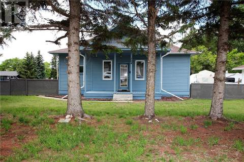 House for sale at 704 Royal St Foam Lake Saskatchewan - MLS: SK796350