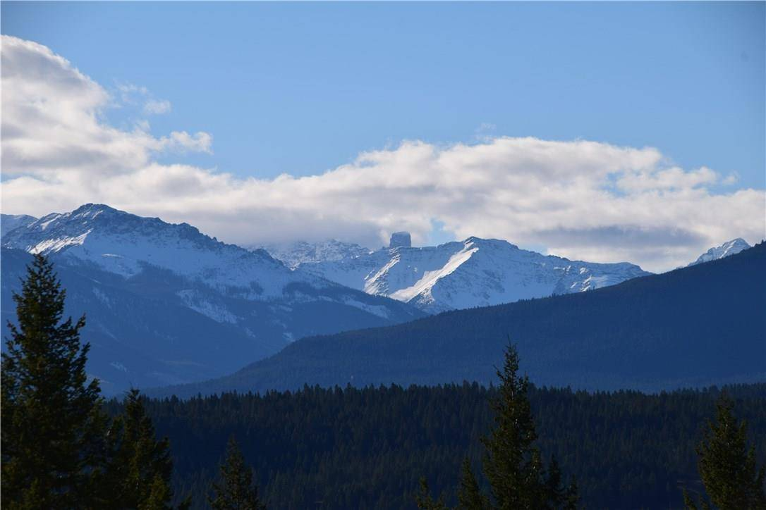 Residential property for sale at 7049 White Tail Ln Radium Hot Springs British Columbia - MLS: 2433682