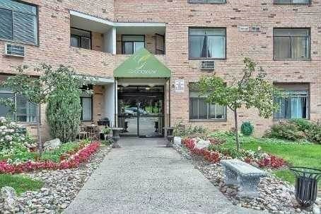 For Sale: 705 - 260 Davis Drive, Newmarket, ON | 3 Bed, 1 Bath Condo for $431,500. See 9 photos!