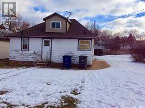 House for sale at 705 2nd Ave W Assiniboia Saskatchewan - MLS: SK797069