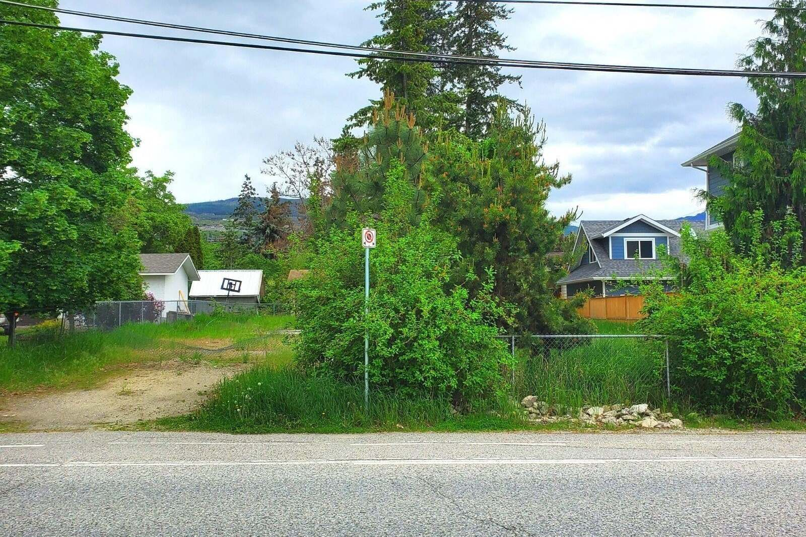 Residential property for sale at 705 Raymer Rd Kelowna British Columbia - MLS: 10206837