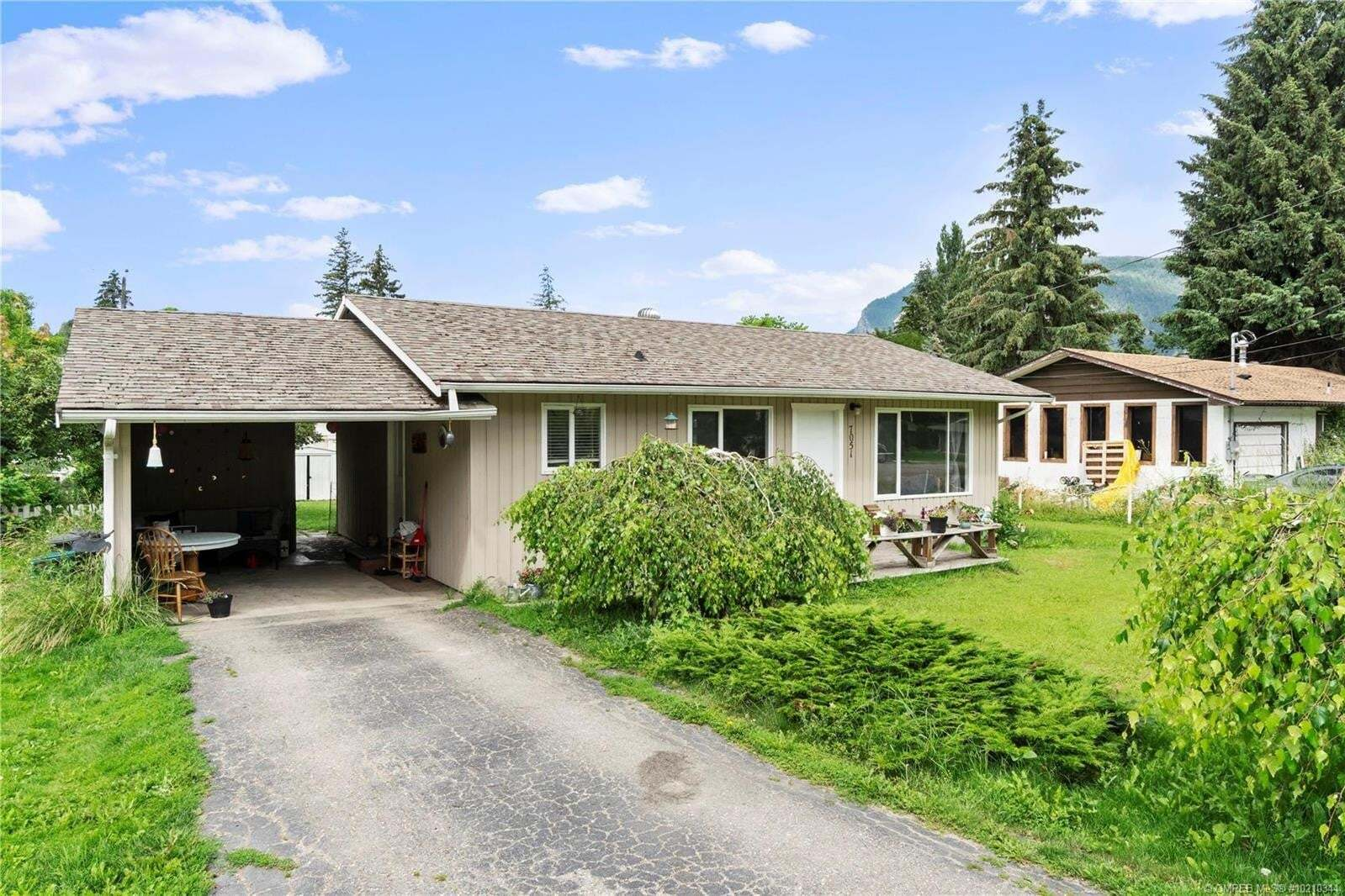 House for sale at 7051 54 St Northeast Salmon Arm British Columbia - MLS: 10210344