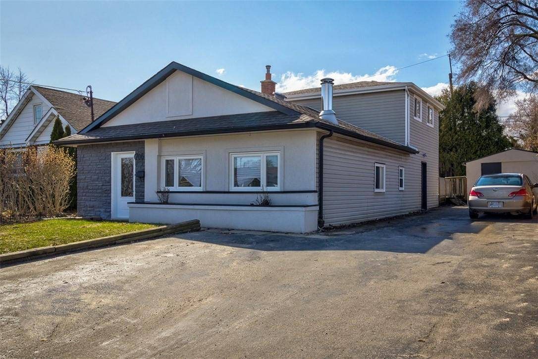 House for sale at 706 5th St West Hamilton Ontario - MLS: H4075827