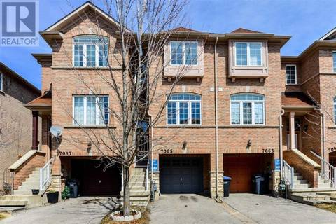 Townhouse for rent at 7065 Fairmeadow Cres Mississauga Ontario - MLS: W4510106