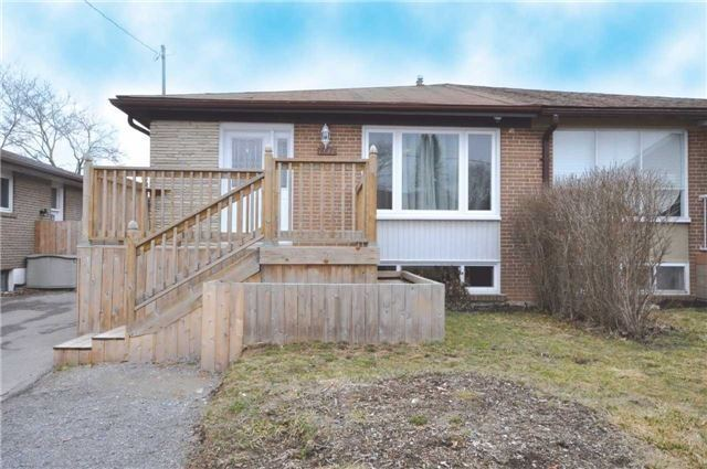 Sold: 707 Sunnypoint Drive, Newmarket, ON
