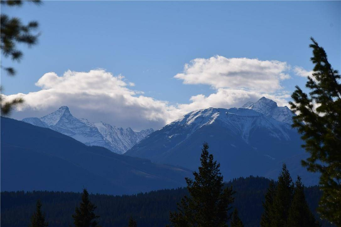 Residential property for sale at 7070 White Tail Ln Radium Hot Springs British Columbia - MLS: 2433672