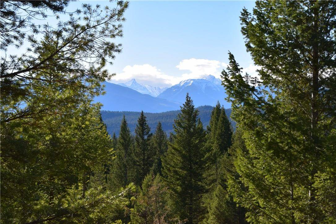 Residential property for sale at 7074 White Tail Ln Radium Hot Springs British Columbia - MLS: 2433671