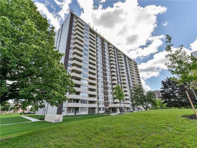 66 Falby Court Condos: 66 Falby Court, Ajax, ON
