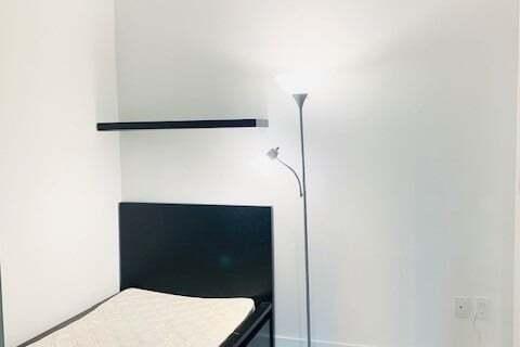 Apartment for rent at 955 Bay St Unit 708 Toronto Ontario - MLS: C4769767