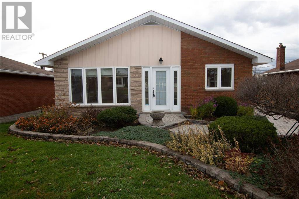 House for rent at 708 Claude St Ottawa Ontario - MLS: 1174754