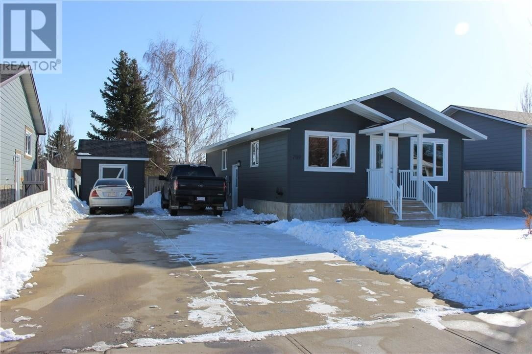 House for sale at 709 Rosewood Ave Picture Butte Alberta - MLS: ld0191048
