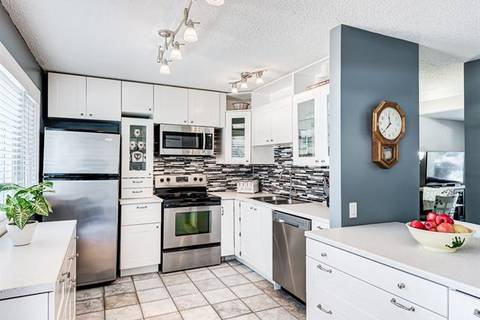 Townhouse for sale at 2300 Oakmoor Dr Southwest Unit 71 Calgary Alberta - MLS: C4295272