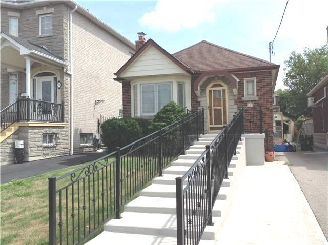 Sold: 71 Chamberlain Avenue, Toronto, ON