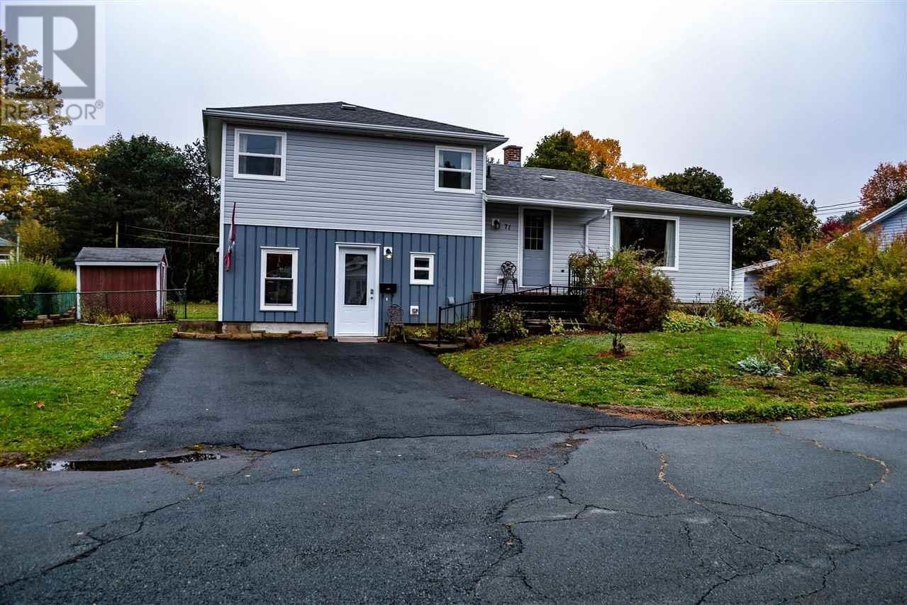House for sale at 71 Dawson St Bridgewater Nova Scotia - MLS: 202021989