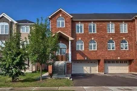 Townhouse for rent at 71 Gail Parks Cres Newmarket Ontario - MLS: N4774797