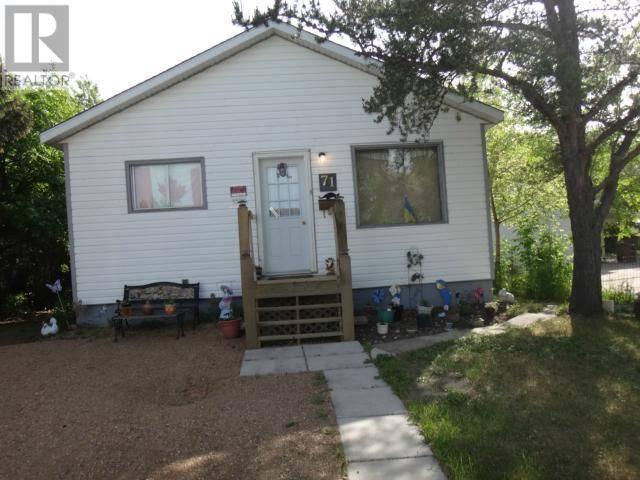 House for sale at 71 Horkoff Ave Wadena Saskatchewan - MLS: SK766658