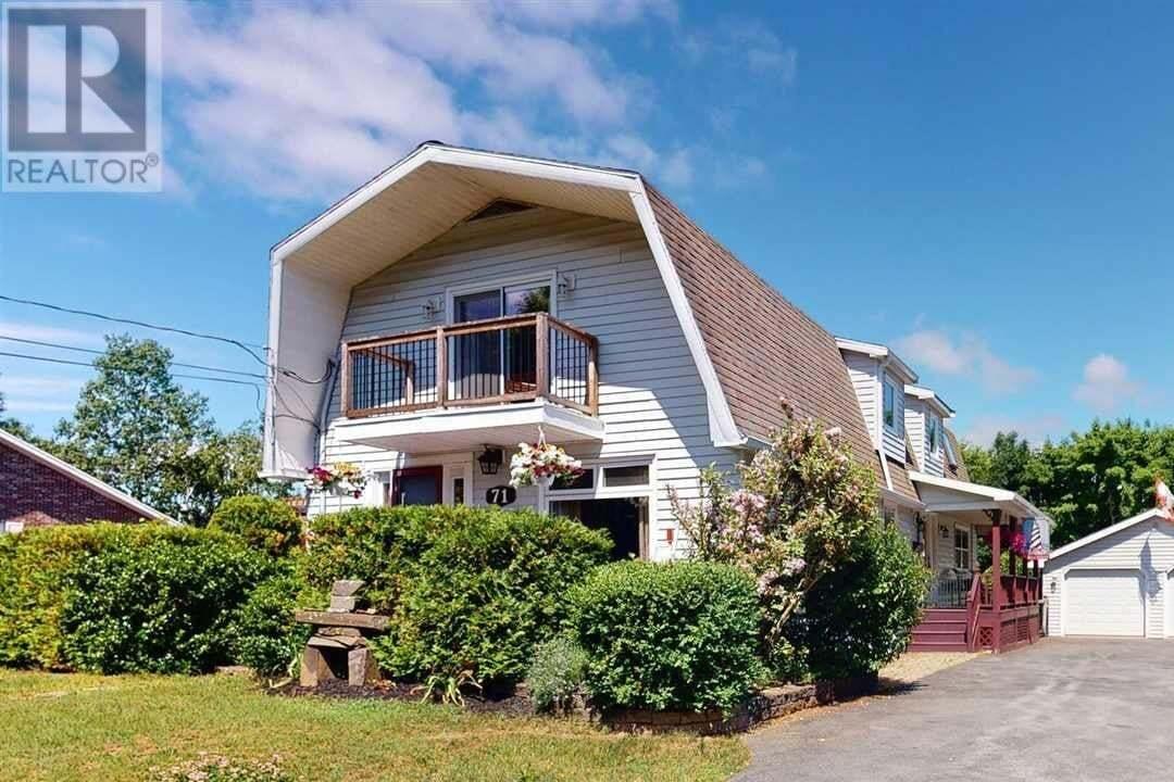 House for sale at 71 Lockhart Dr New Minas Nova Scotia - MLS: 202012085