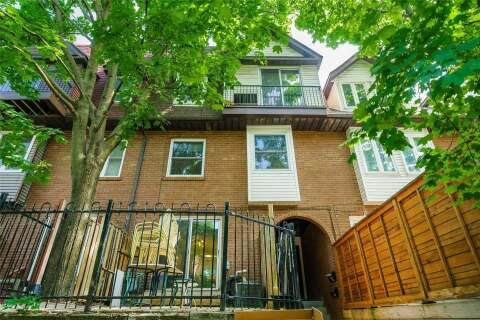 Townhouse for rent at 71 Longboat Ave Toronto Ontario - MLS: C4906471