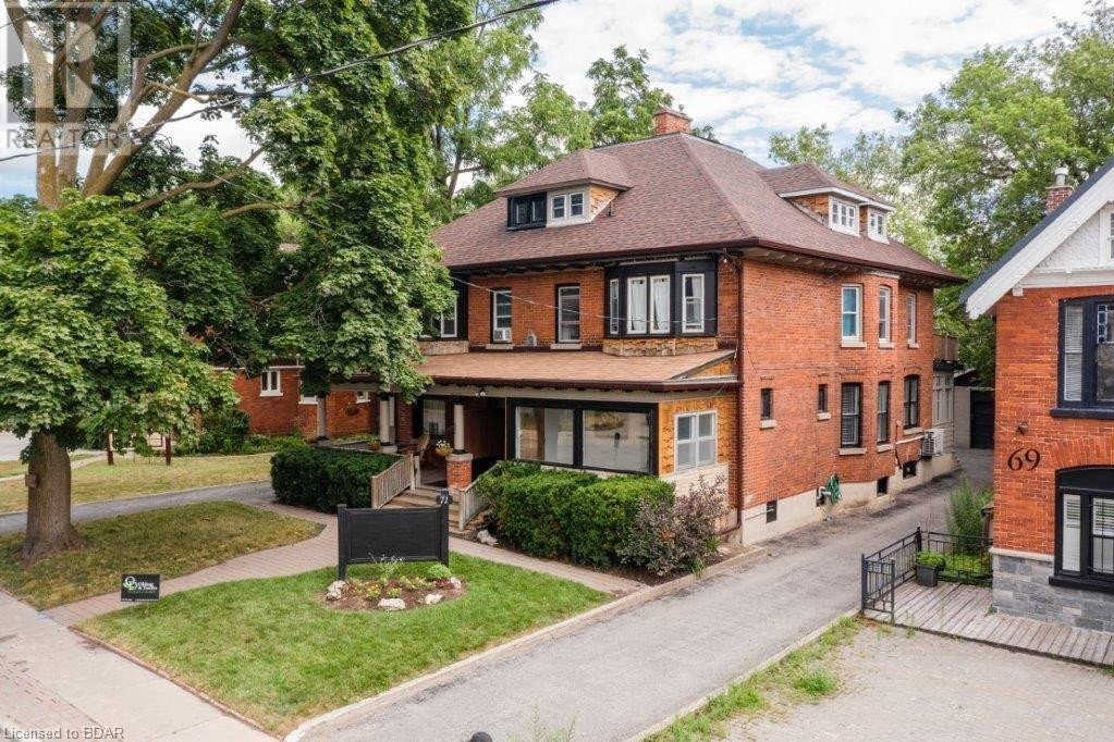 Townhouse for sale at 71 Mary St Barrie Ontario - MLS: 40025308