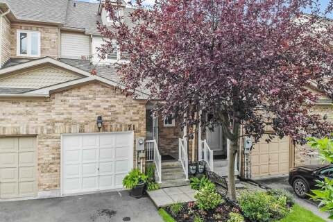 Townhouse for sale at 71 Ochalski Rd Aurora Ontario - MLS: N4946608