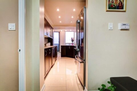 Condo for sale at 700 Constellation Dr Unit 710 Mississauga Ontario - MLS: W5085124