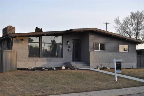 House for sale at 7103 92a Ave Nw Edmonton Alberta - MLS: E4156174