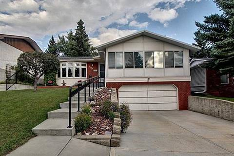 House for sale at 7104 Silverview Rd Northwest Calgary Alberta - MLS: C4265507