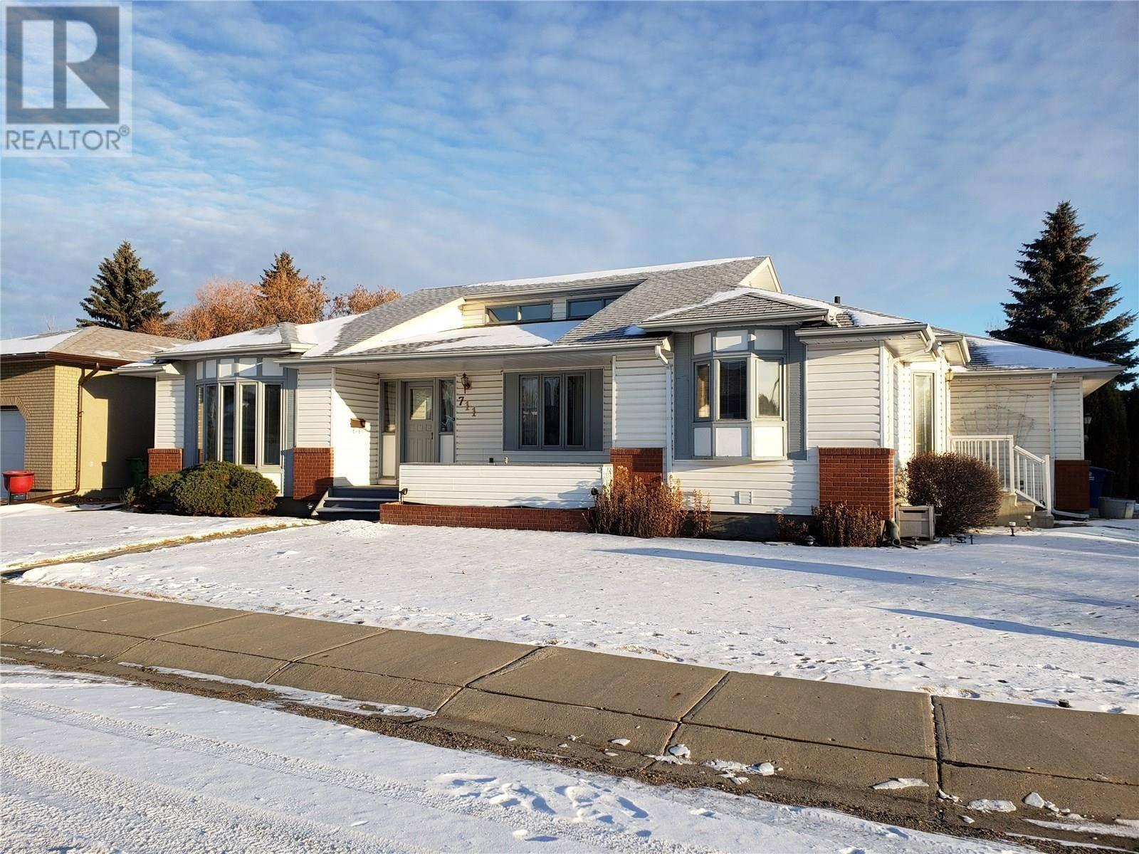 711 Nesslin Crescent, Saskatoon | Image 1