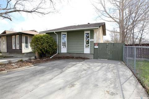 House for sale at 711 Porteous St N Regina Saskatchewan - MLS: SK770647