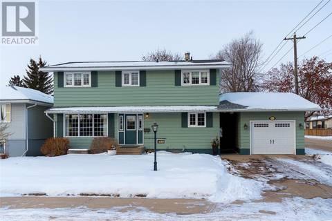 House for sale at 711 R Ave N Saskatoon Saskatchewan - MLS: SK798883