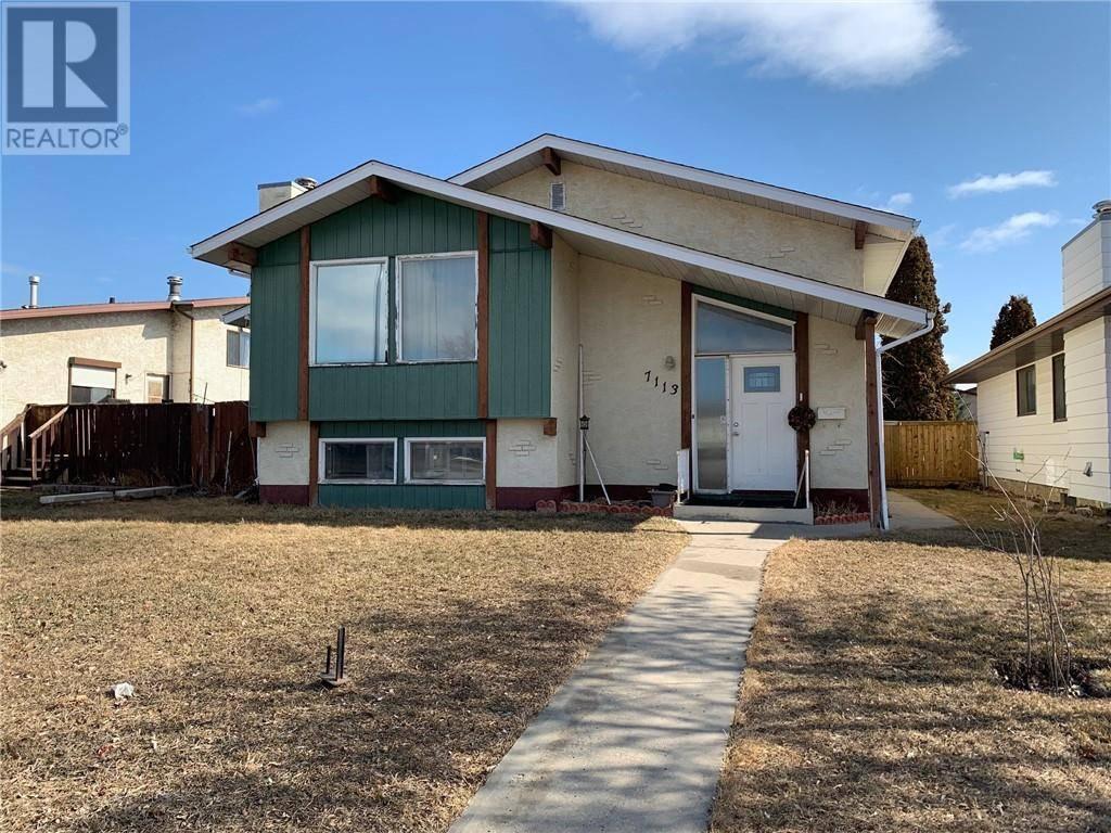 House for sale at 7113 Gray Dr Red Deer Alberta - MLS: ca0175246