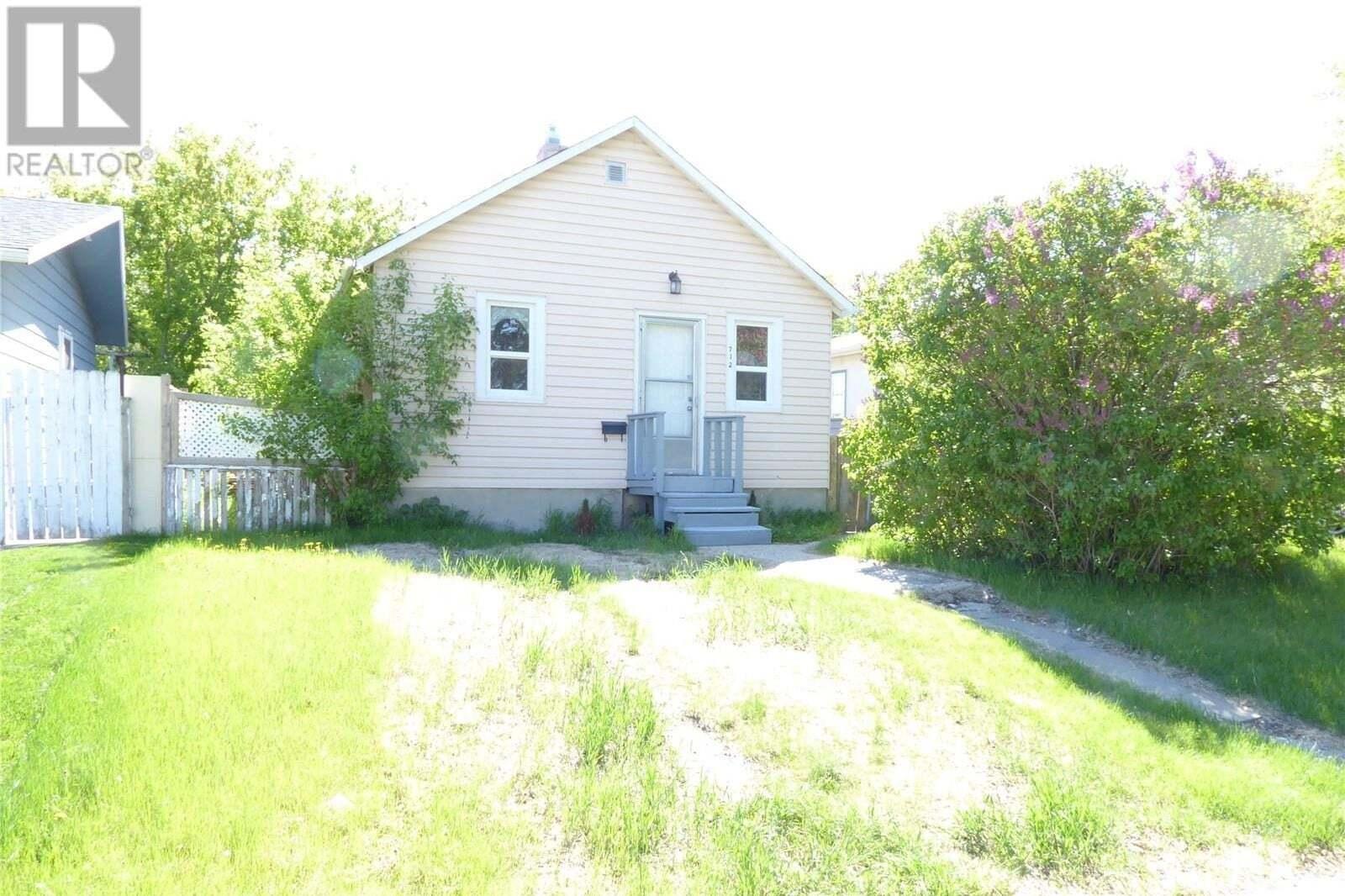 House for sale at 712 O Ave S Saskatoon Saskatchewan - MLS: SK810154