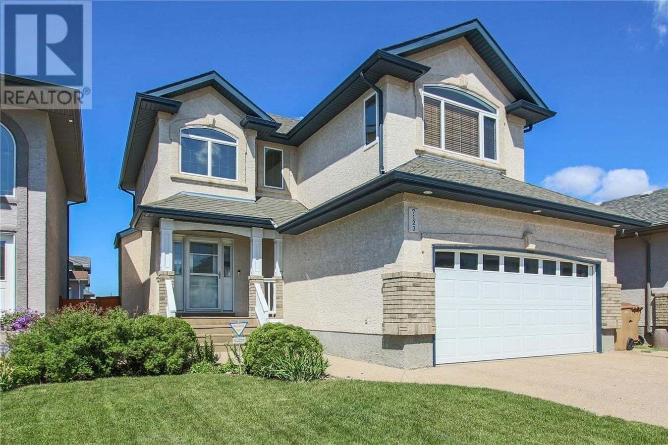 House for sale at 7123 Wascana Cove Dr Regina Saskatchewan - MLS: SK816846