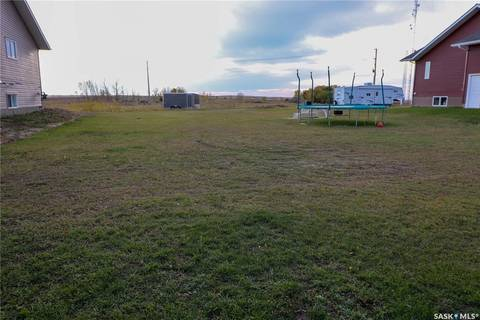Residential property for sale at 713 Columbia Ave Kerrobert Saskatchewan - MLS: SK792587