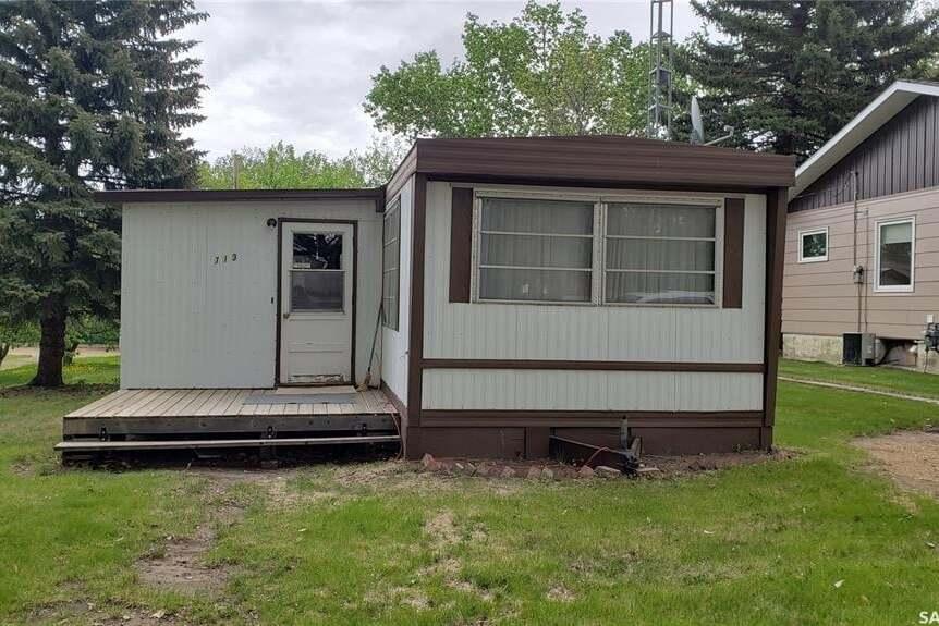 Home for sale at 713 Mann Ave Radville Saskatchewan - MLS: SK809883