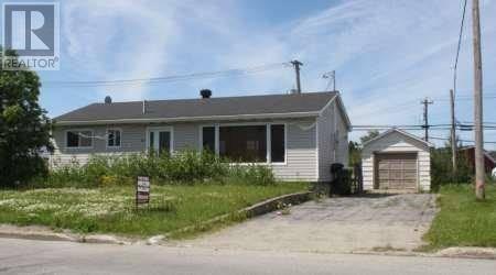 House for sale at 713 Tamarack Dr Labrador City Newfoundland - MLS: 1212532