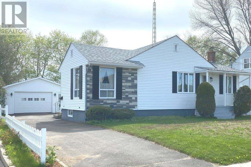 House for sale at 714 Mcevoy St Fredericton New Brunswick - MLS: NB043905
