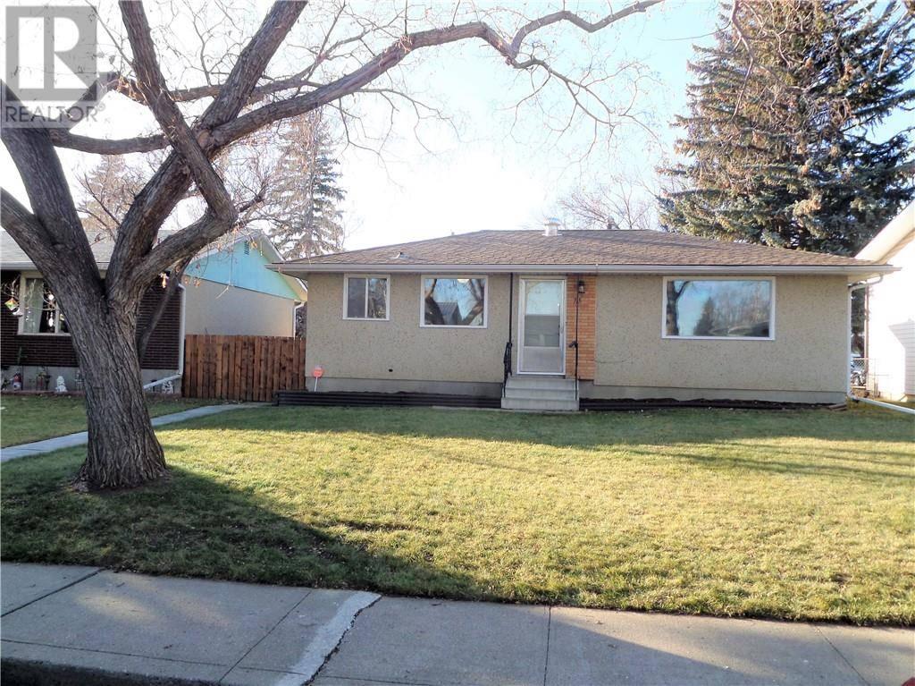 House for sale at 715 1 St E Brooks Alberta - MLS: sc0184116