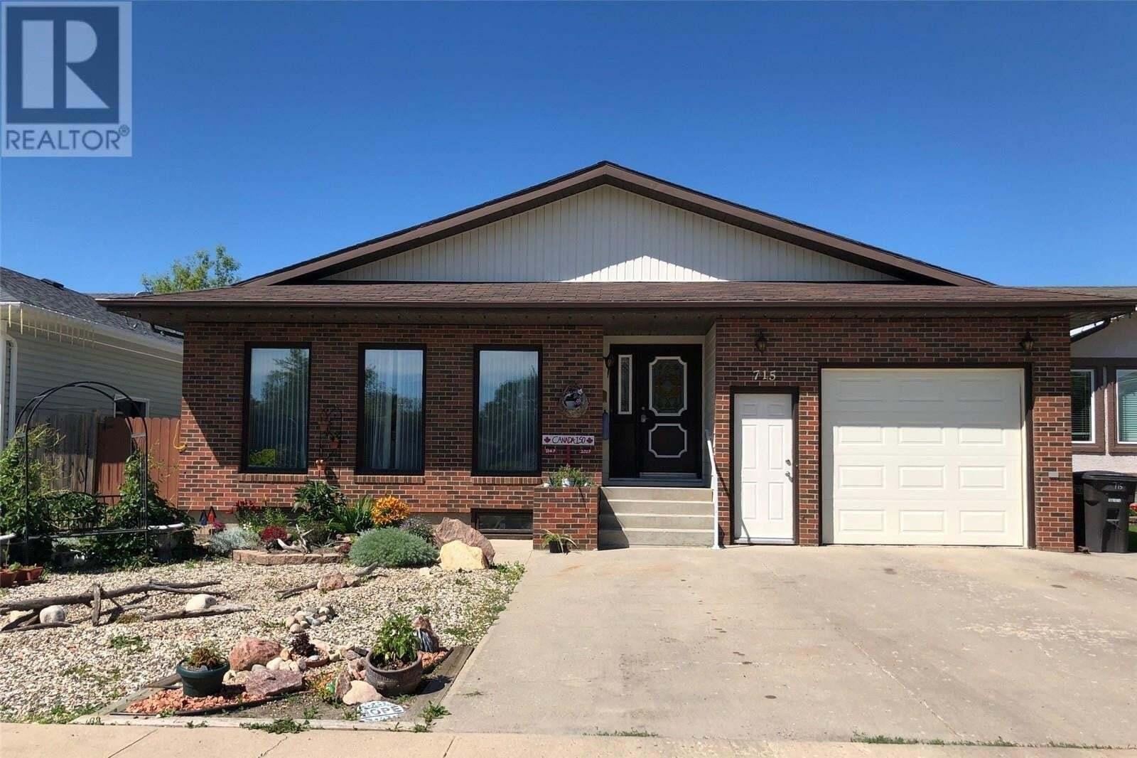House for sale at 715 12th St Humboldt Saskatchewan - MLS: SK819302