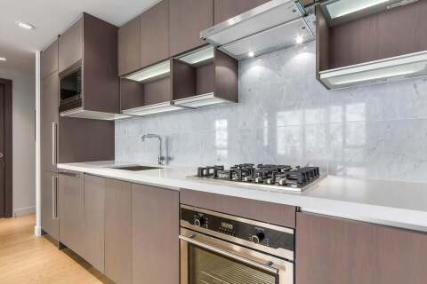 Condo for sale at 68 Smithe St Unit 715 Vancouver British Columbia - MLS: R2500696