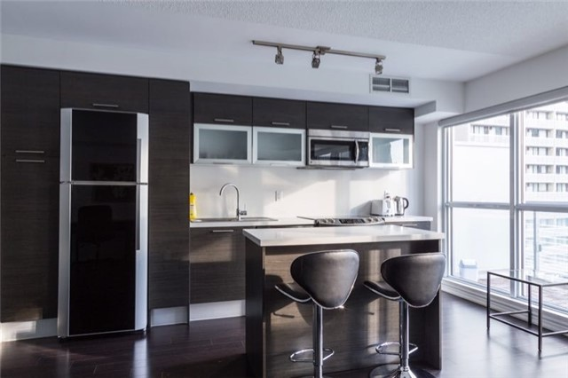 For Rent: 716 - 386 Yonge Street, Toronto, ON | 1 Bed, 1 Bath Condo for $2,400. See 5 photos!