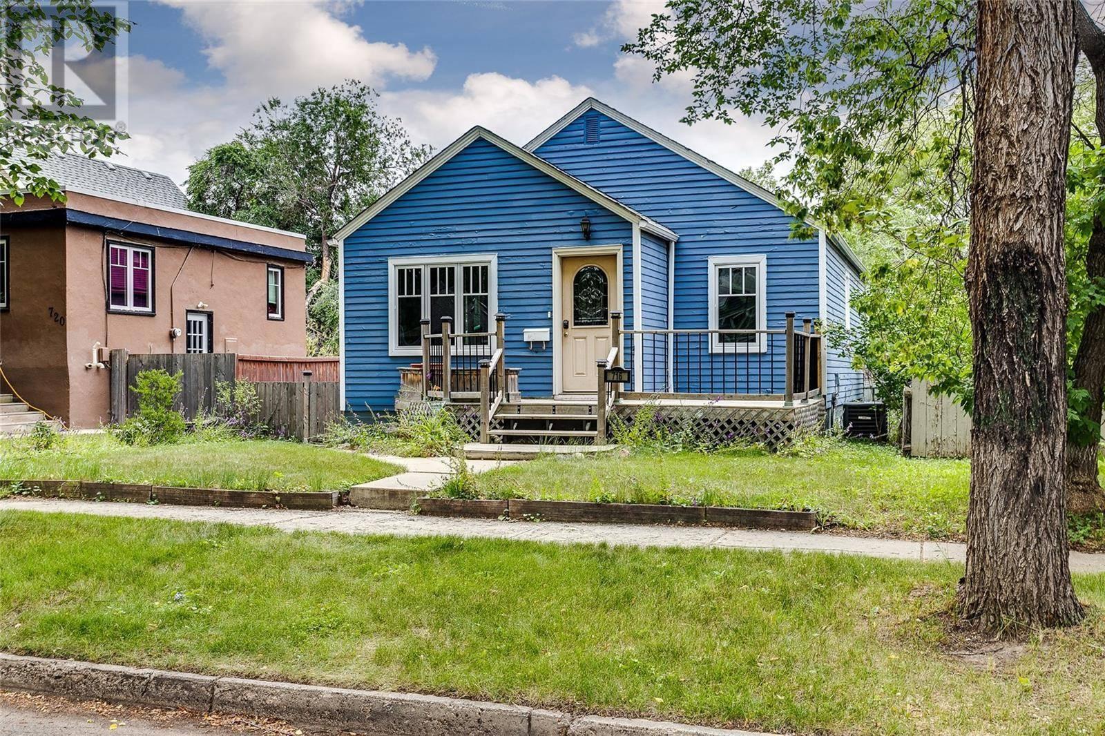 House for sale at 716 6th St E Saskatoon Saskatchewan - MLS: SK783385