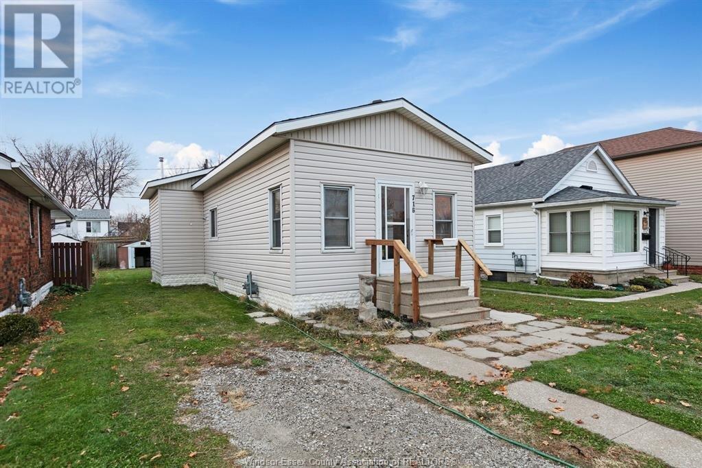 House for sale at 716 Hildegarde  Windsor Ontario - MLS: 20015567