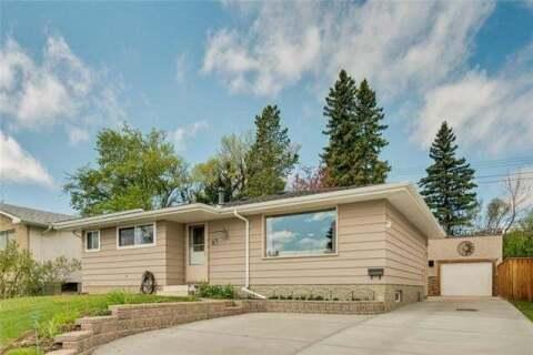 House for sale at 716 Hunts Cres Northwest Calgary Alberta - MLS: C4299076