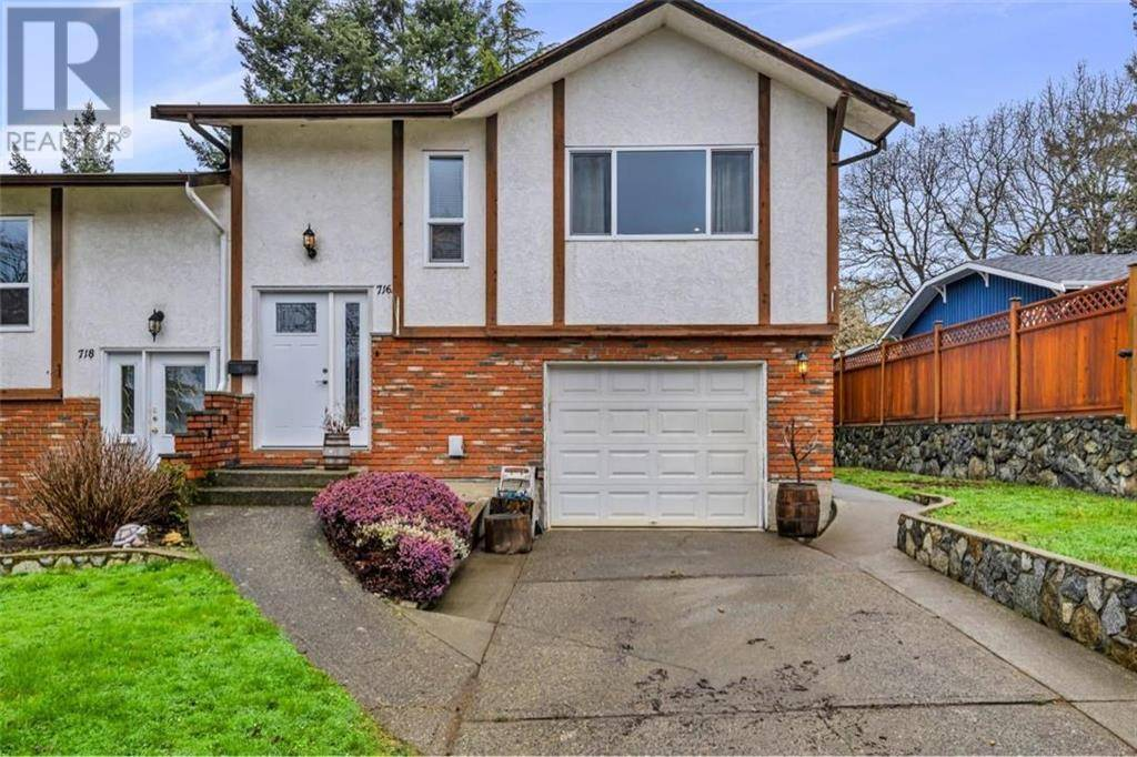 Townhouse for sale at 716 Stancombe Pl Victoria British Columbia - MLS: 423230
