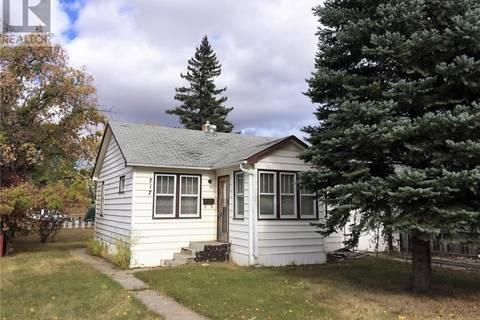 House for sale at 717 3rd St Estevan Saskatchewan - MLS: SK797350