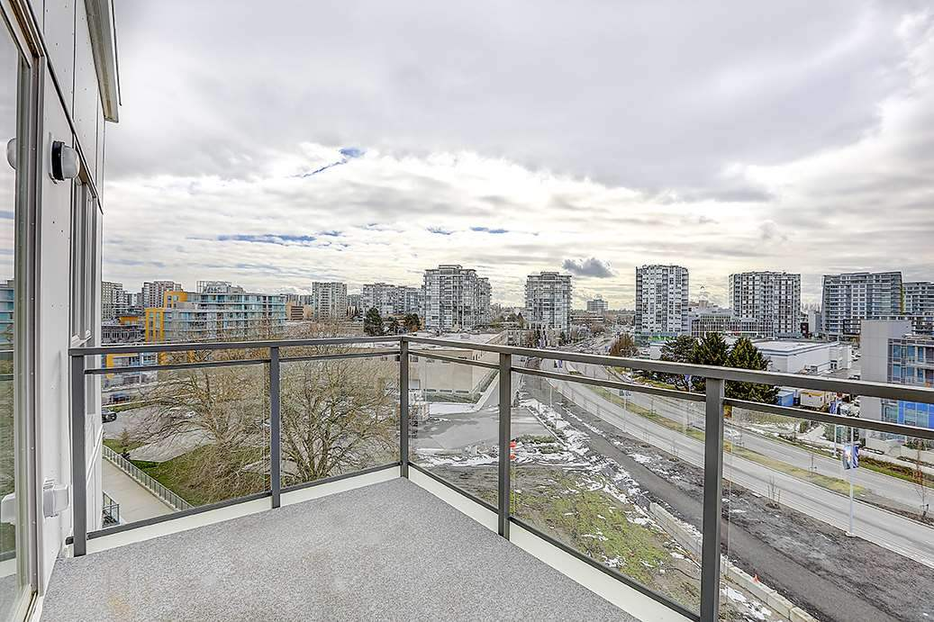 Sold: 717 - 5311 Cedarbridge Way, Richmond, BC