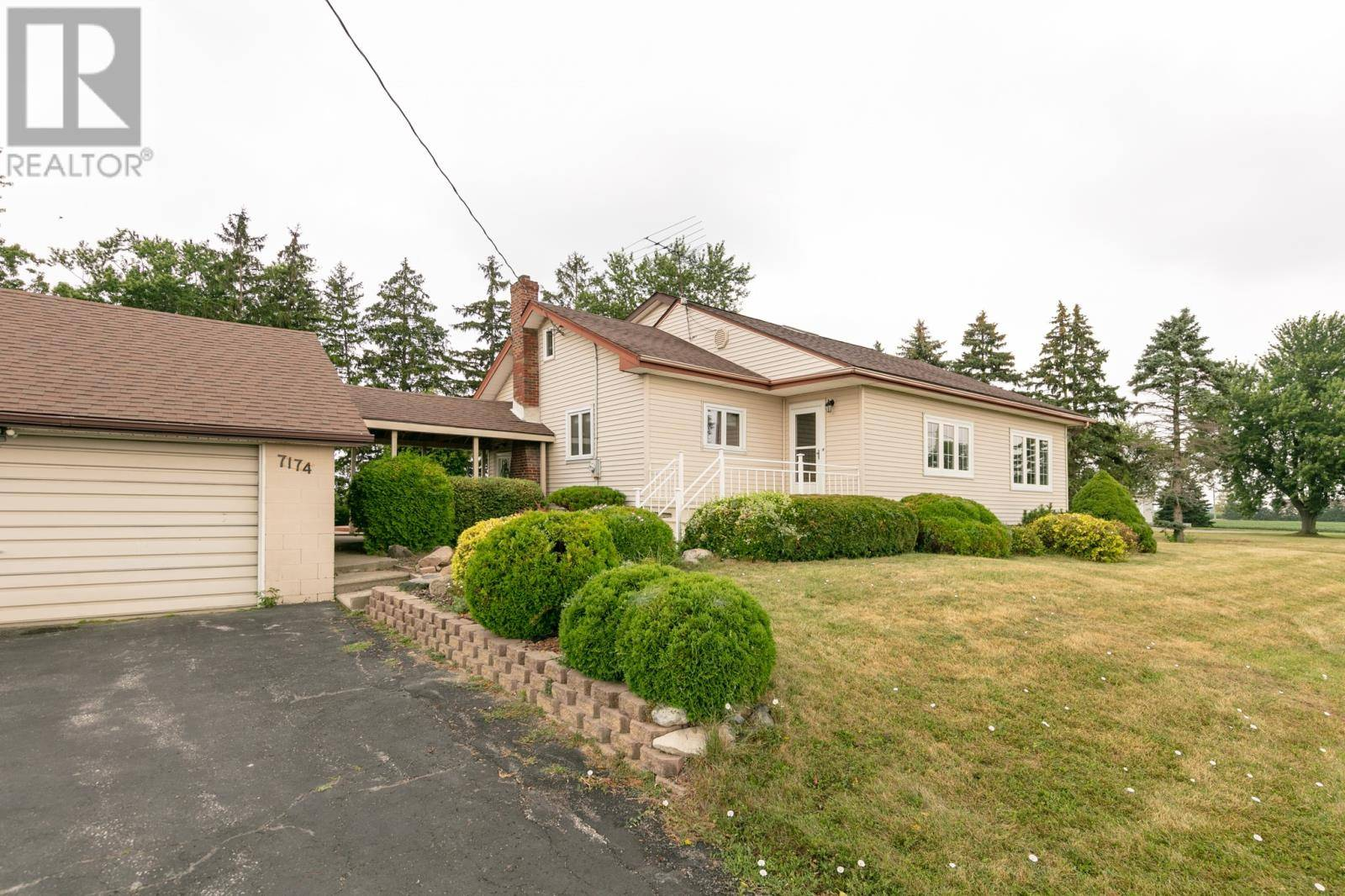 House for sale at 7174 Howard  Amherstburg Ontario - MLS: 19023586